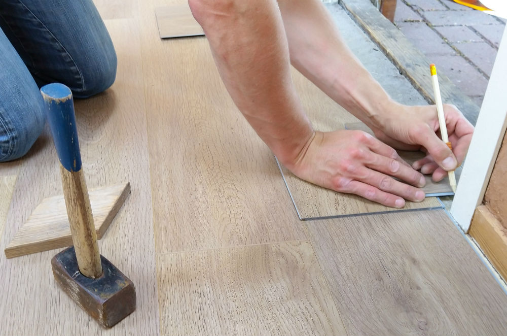 Laminate Floor That Got Wet, Does New Laminate Flooring Smell