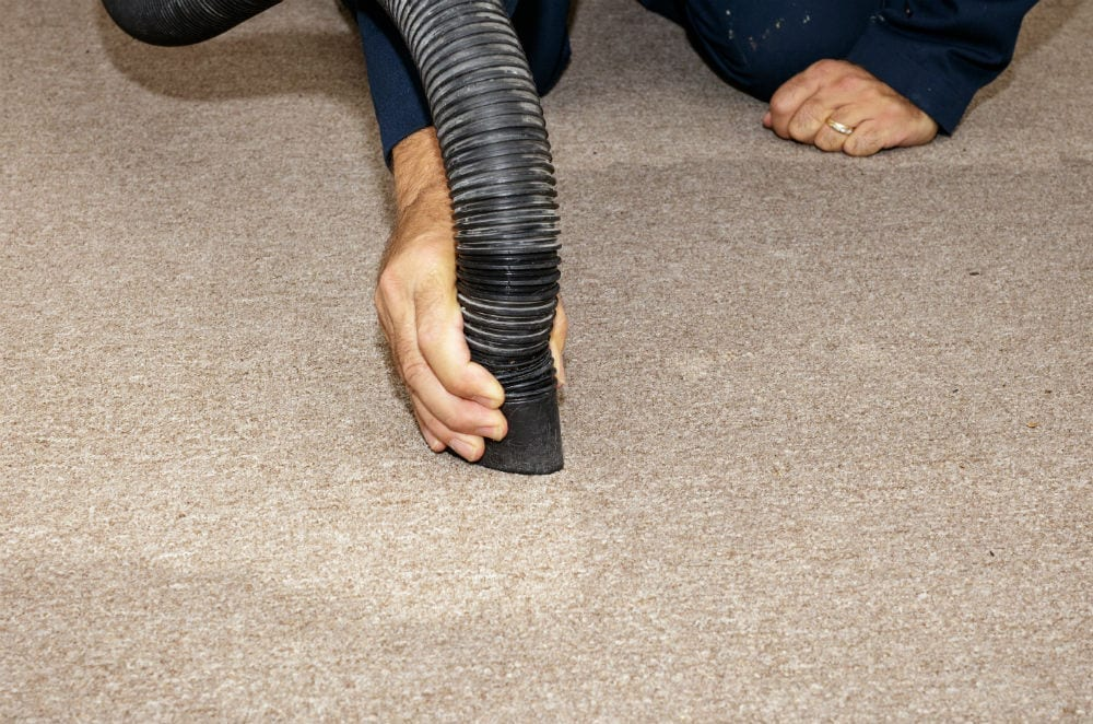How To Dry Flooded Carpet Drying, Get Water Out Of Basement Carpet